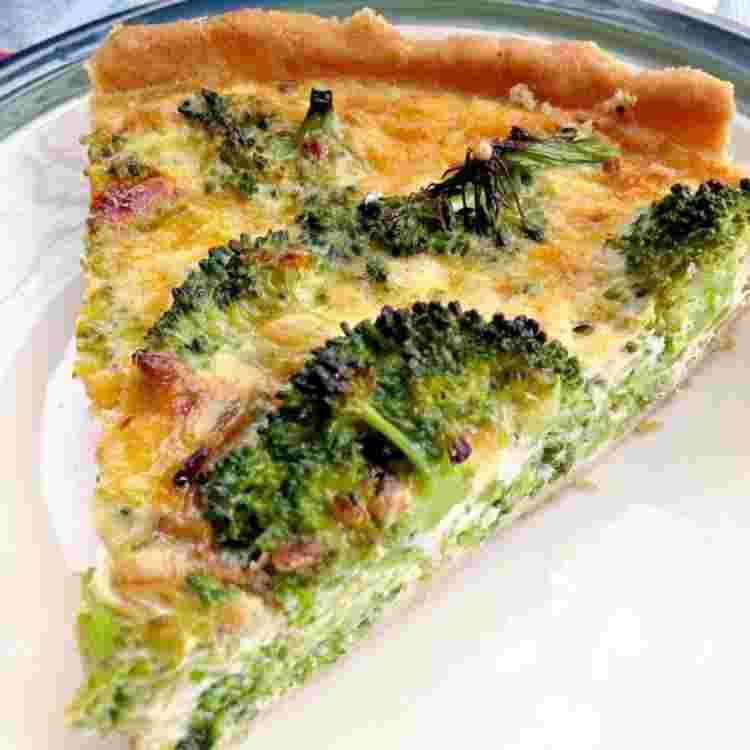 Brokkoli-Quiche-Rezept-ein-Stück-Quiche-vegetarisch.jpg