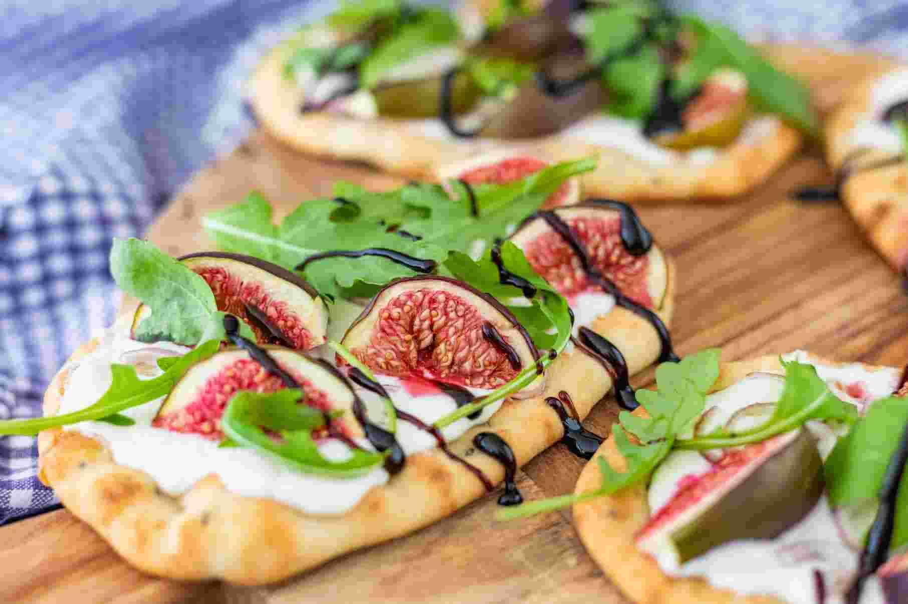 naanpizza-met-geitenkaas-vijgen-en-balsamico-1.jpg